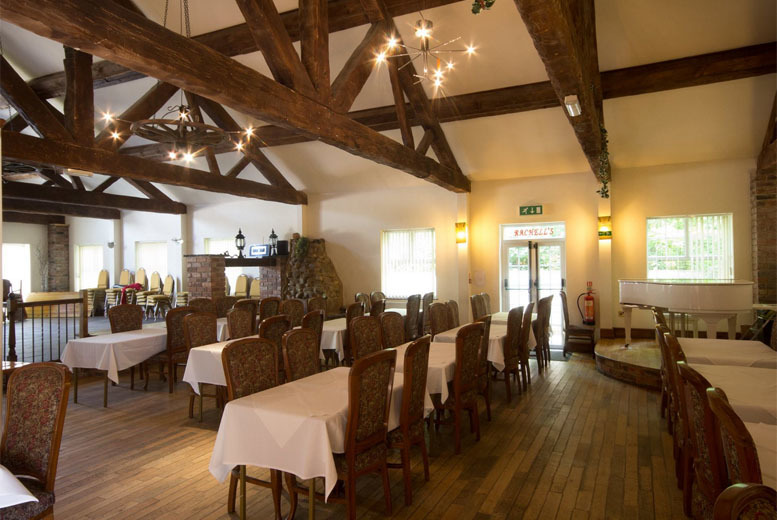 £14 instead of up to £29.70 for a 3-course meal for 2 people, or £28 for 4 people at The Hilcote Country Club - save up to 53%