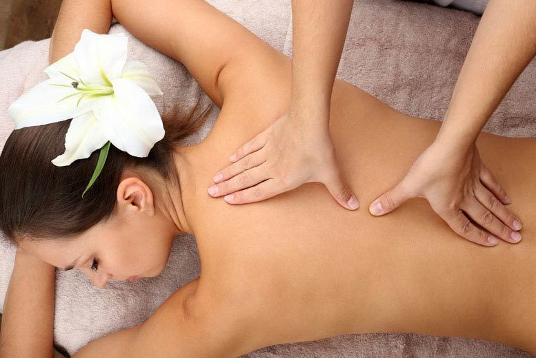 £18 instead of up to £47 for a one-hour deep tissue back, neck and shoulder massage and express facial at Au Hair and Beauty, Glasgow - save up to 62%