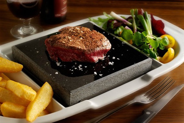 £19 instead of up to £43.80 for a steak dinner for 2 inc. your choice of steak, chips, salad & glass of wine each at Steakhouse - save up to 57%