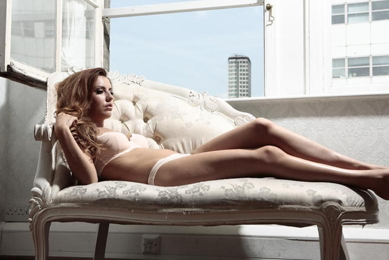 £12 for a boudoir photoshoot for 1 person inc. hair styling, makeup, a print and 'unlimited' bubbly, £16 for 2 at The Factory Covent Garden - save up to 96%