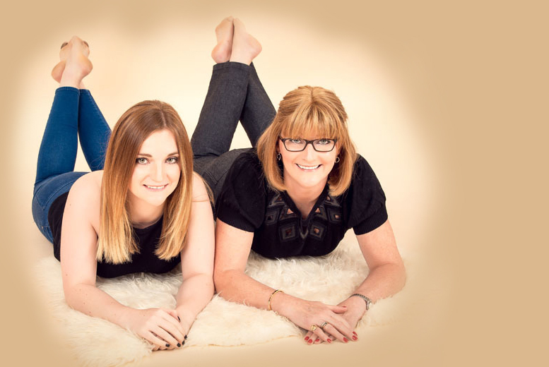 "£19 for a mother and daughter makeover photoshoot, inc. bubbly and two 5"" x 7"" prints at Fotkaplus, Edinburgh - save 83%"