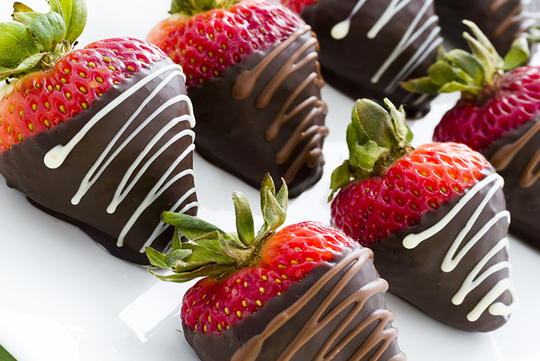 £12 instead of £24.99 for a 12-piece box of chocolate-dipped fruit from Fruityco, Manchester - save 52%