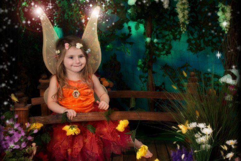 £9 instead of £94.99 for a 30-minute fairy photoshoot including an A3 photo poster at Jason Walker Photography, Leicester - save 91%