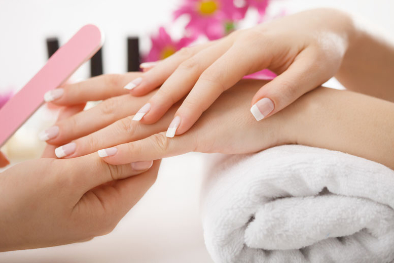 £29 instead of up to £100 for a 90-minute mother and daughter pamper package including 3 treatments each at Lash & Beauty Lounge, Littleover - save up to 71%
