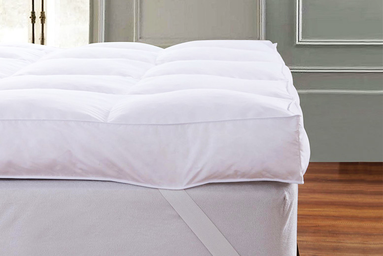 £26.99 instead of £97.99 for a single luxury goose feather and down mattress topper, £33.99 for a double, £39.99 for a king or £43.99 for a super king - save up to 72%