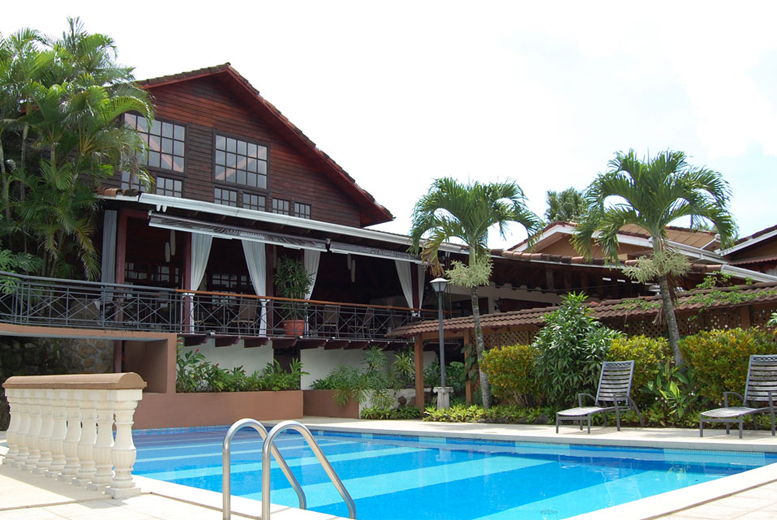 £999pp (from IWC) for a 7-night adventure in Costa Rica inc. 4* accommodation, return international fl
