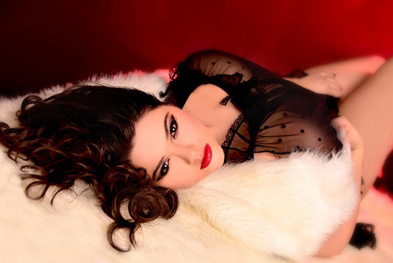 £9 instead of up to £199.99 for a 3-hour boudoir or dudoir photoshoot and makeover for 1 including 4 prints at Trebon Photography Studio, Leicester - save up to 95%