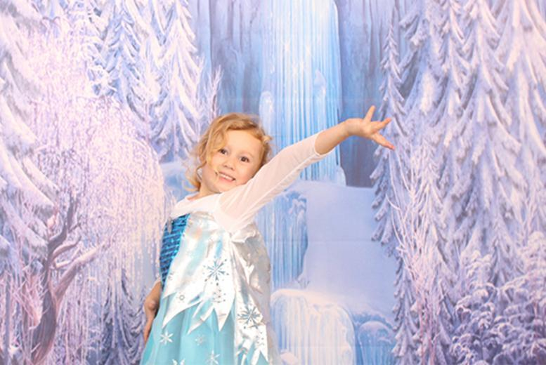 "£9 instead of £60 for a Frozen or Cinderella-inspired photoshoot for up 2 children including a 7"" x 5"" print at Carriage & Castle's Photography - save 85%"