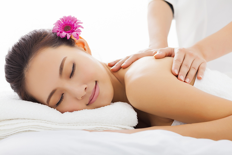 £19 instead of £55 for a 30-minute back, neck and shoulder massage and 30-minute express facial at Ruby Reds Beauty, Edinburgh - save 65%