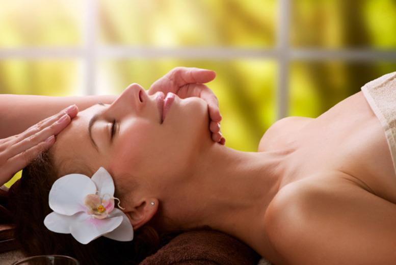 £16 instead of up to £70 for a 90-minute pamper package with a choice of treatments at Ezina, Glasgow - save up to 77%