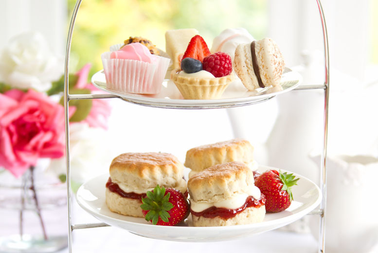 £10 instead of £22.95 for afternoon tea for 2 people including sandwiches, cakes and scones, £19 for 4 at Lady Lavender, Hyde - save up to 56%