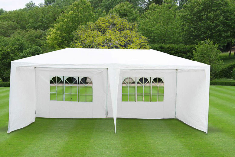 £49 instead of £149.99 (from Vivo Mounts) for a 3m x 6m garden gazebo  save 67
