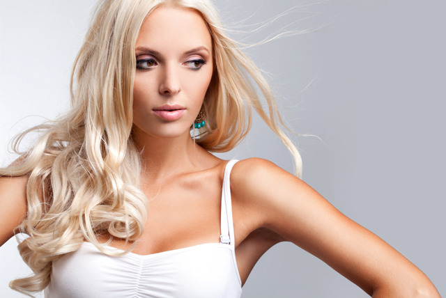 £72 instead of £120 for a full head of micro-ring Remy hair extensions at Glamour Hair & Beauty, Leicester Square - save 40%