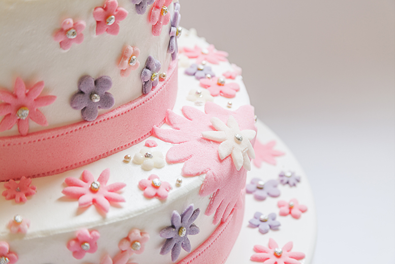 £29 instead of £287 for a 3-hour introduction to cake decorating workshop for 1 person, £57 for 2 people with Caketastic, 31 locations - save up to 90%
