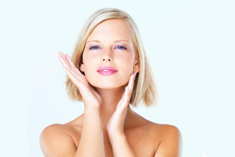 £69 for a non-surgical face and jawline 'lift' with a professional therapist, or £109 with a doctor at Harpal Clinic, Moorgate - save up to 82%