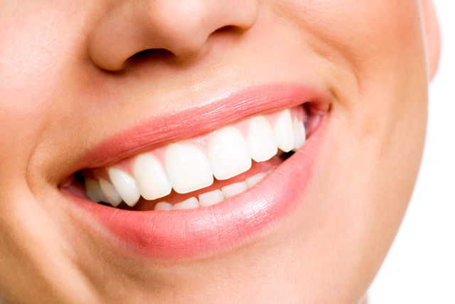 £16 instead of £110 for a dental check-up inc. scale & polish at Unique Dental and Facial Clinic, Finchley Road - save 85%