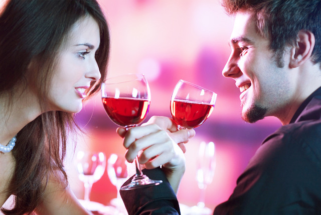 £10 instead of £20 for a ticket to the 'Ditch or Date' dating game, comedy speed dating or a singles bowling event with Date in a Dash - save 50%