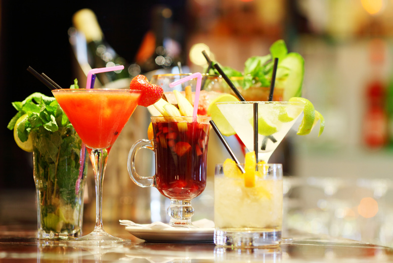 £9 for 4 cocktails to share between 2 people, £17 for 8 cocktails to share between 4 at Oscars, Newcastle-under-Lyme - save up to 55%