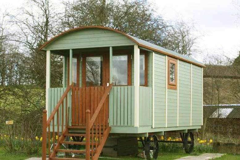2nt Lancashire Glamping Stay and Cream Tea for 2 - Summer Dates!