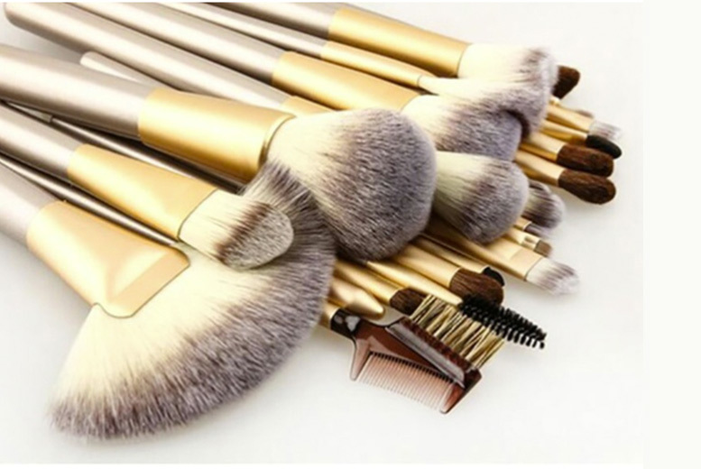 £9.99 instead of £47 (from Trending Picks) for a 12-piece champagne makeup brush set or £14.99 for a 24-piece set - save up to 79%