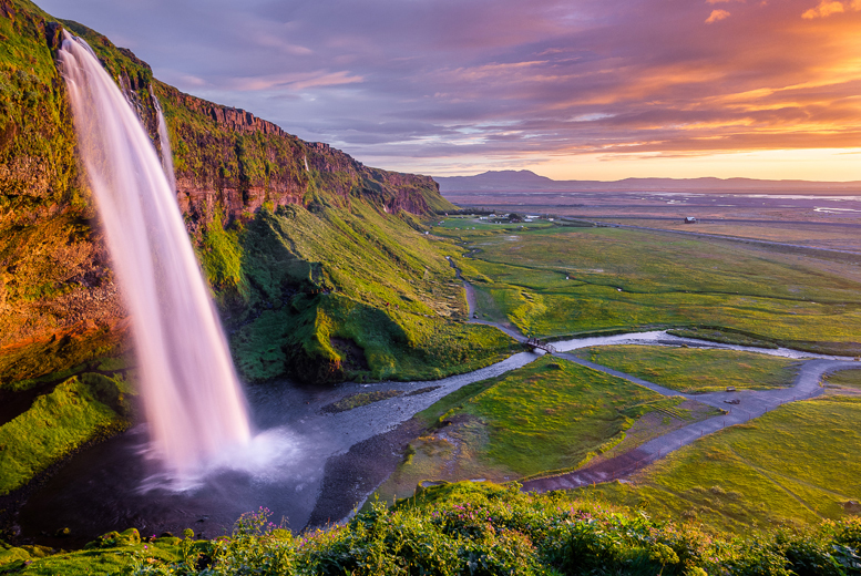 From £149pp instead of up to £235.56pp (from ClearSky) for a 3nt Iceland, flights and choice of tours - save up to 37%
