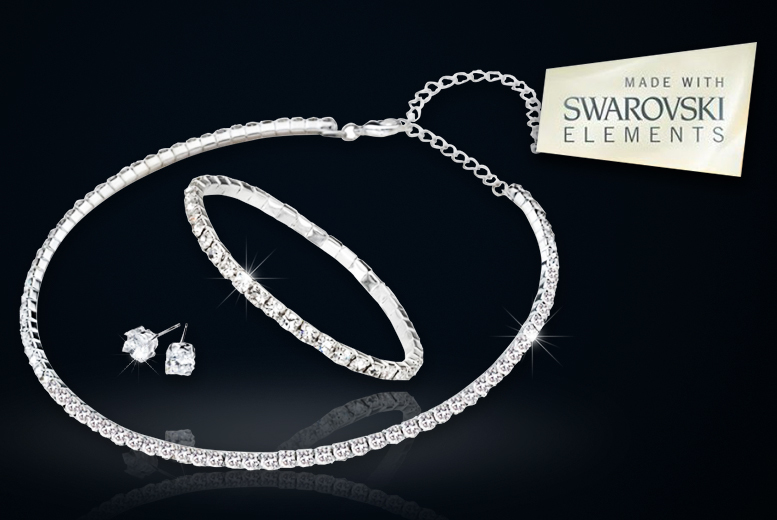 £12 instead of £89 (from Alvi's Fashion) for a crystal tri set made with Swarovski Elements - save a sparkling 88%