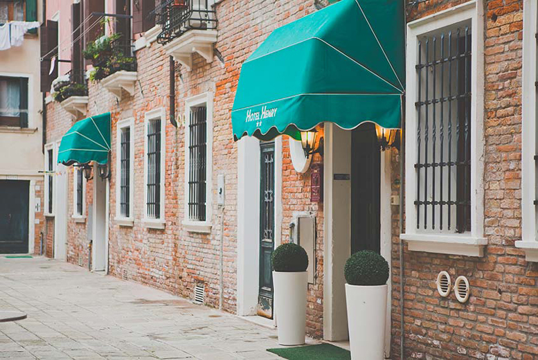 From £99pp instead of up to £165.62 (from ClearSky Holidays) for a 2-night Venice getaway including return flights, from £119pp for 3 nights - save up to 40%