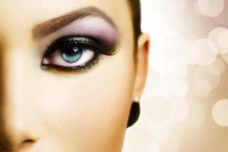 £17 for a full set of express semi-permanent party lashes, £31 for party lashes plus an eyebrow tint and shape at Uptown Beauty, Angel - save up to 51%