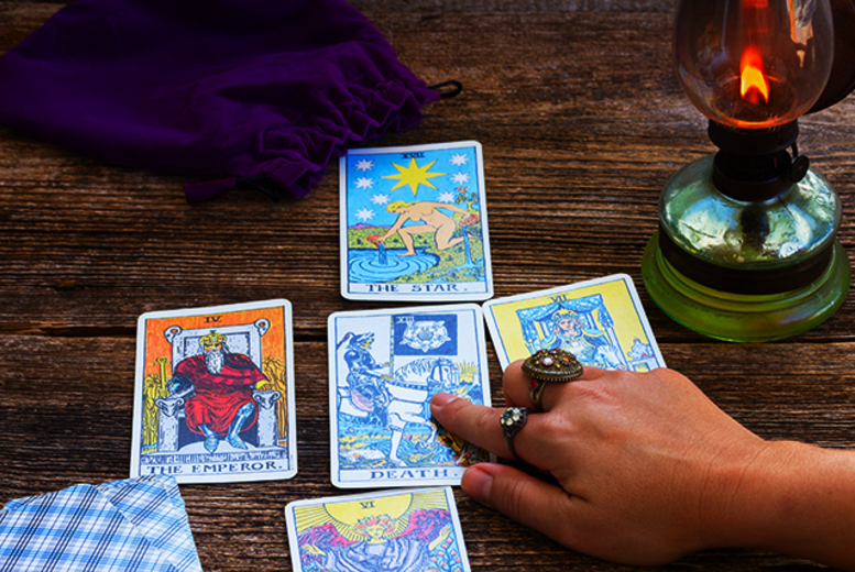 £4 instead of £15 for a 12-card tarot card reading via email or £9 for a reading via phone - save up to 73%