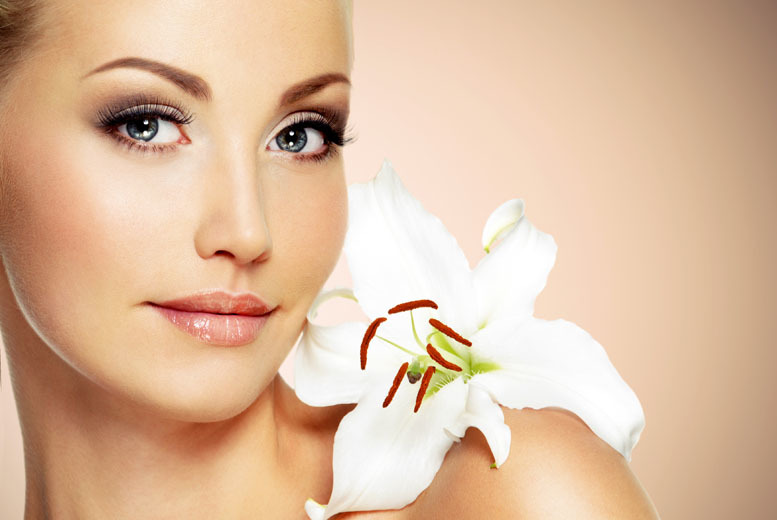 £10 for entry for one person to a beauty event at Peaches 'n Cream Boutique, Edinburgh including skin analysis, a mini facial and refreshments!