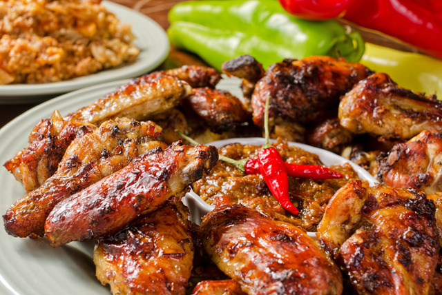 £19 instead of up to £50.40 for a Caribbean meal for 2 inc. 2 courses and a glass of wine each at The Maroons Restaurant, Limehouse - save up to 62%
