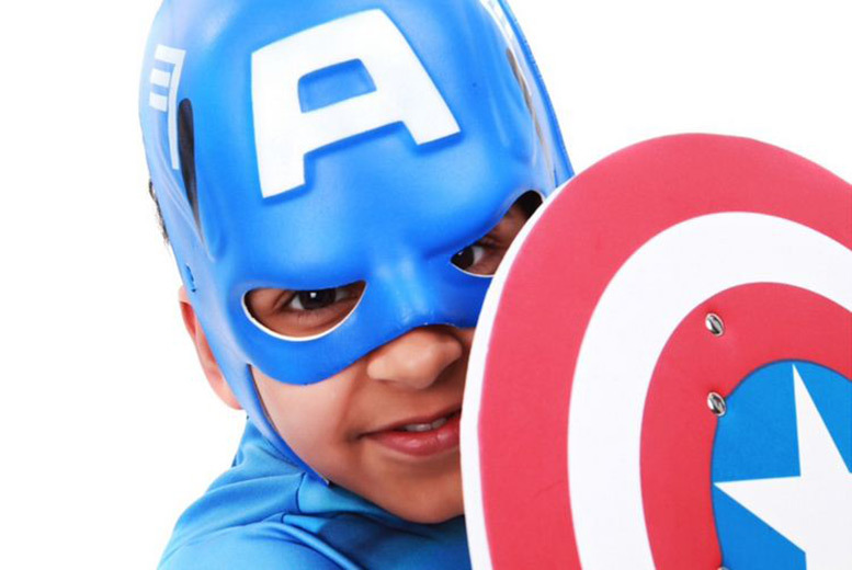 £6 for a superhero-themed children's photoshoot for up to 2 kids including 2 prints at Wink Photography, Birmingham or Stratford-upon-Avon - save up to 90%