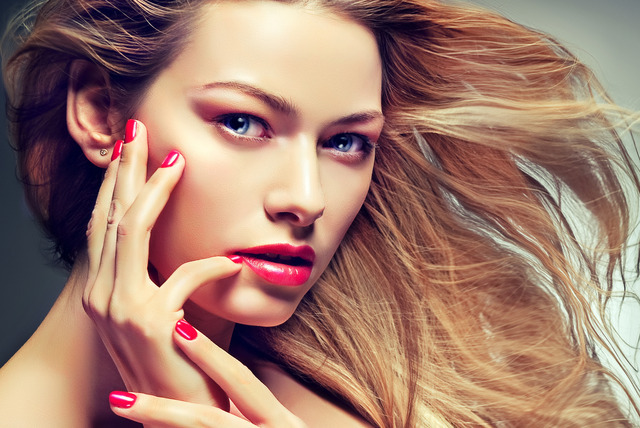 £29 instead of up to £85 for a wash, cut & blow dry with choice of deluxe mani or express pedi at ROXY Beauty, Hampstead - save up to 66%