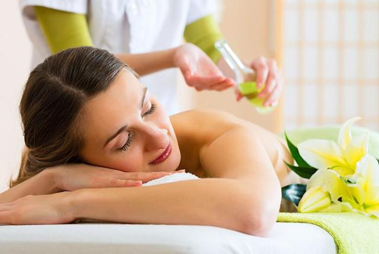 £14 instead of £30 for a 1-hour full body massage at Coco Beach, Leicester - save 53%