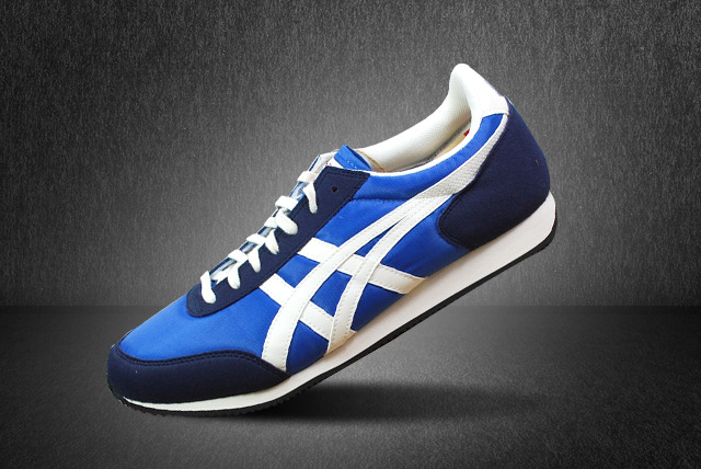 £29 instead of £49.99 for a pair of blue and off-white Onitsuka Tiger Sakurada trainers from Wowcher Shop - save 42% + delivery is included!