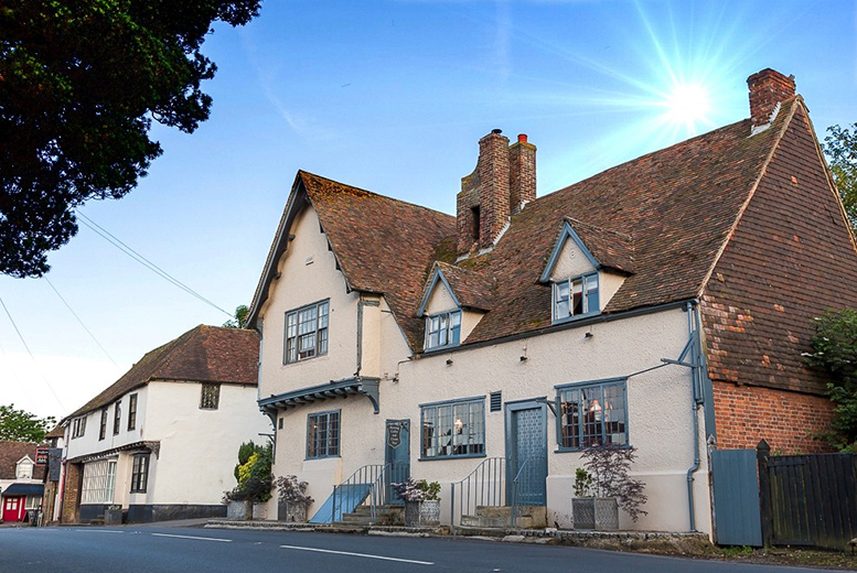 £69 instead of up to £159 (at The Dog Inn) for a 1-night stay for 2 including dinner, sparkling wine and breakfast, £99 for 2 nights or £129 for 3 nights - save up to 57%