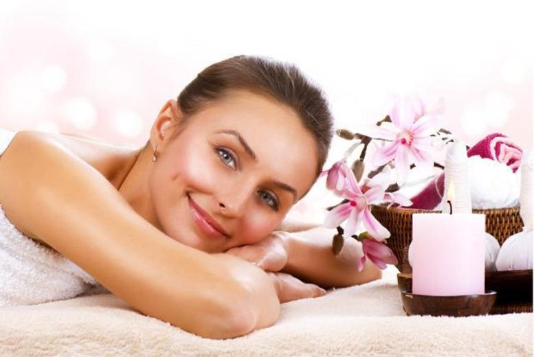 £29 for a pamper package including body wrap, facial and massage, £39 with a manicure or eyebrow tint at The Rosebery Rooms - choose from 2 locations & save up to 67%