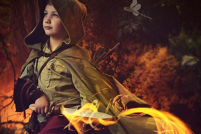 £10 for a Robin Hood-inspired woodland photoshoot for up to 2 children including a photo mug & 2 keyrings at Mackney Photography, Derby - save up to 93%