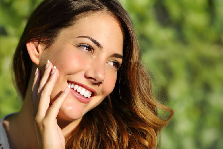£69 instead of £390 for a 60-minute LED laser teeth whitening treatment including consultation and standard check-up at Parkdent Clinic, Kensington - save 82%