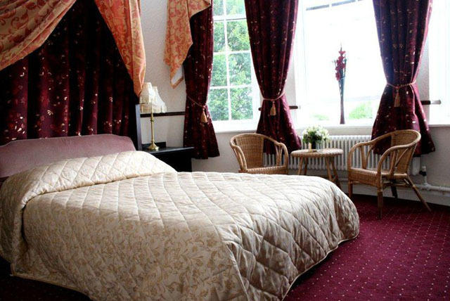 £74 instead of up to £110 for a 2-night stay for 2 inc. breakfast at Britain's 'most haunted' Station Hotel, Dudley - save up to 33%