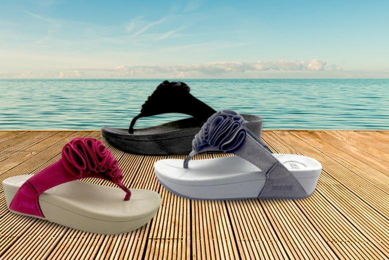 £9.99 instead of £29.99 (from Beautyfit) for a pair of 'toning' flip flops valid in 3 stylish colours - save 67%