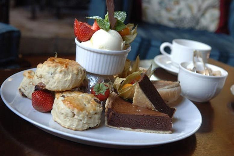 £35 for a traditional afternoon tea for two at a choice of eight Classic Lodges Hotels from Buyagift!