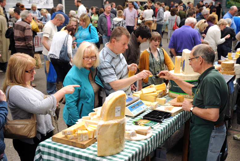 DDDeals - £4 for a day ticket for one adult, £7 for two adults or £7 for two adults and two children to The Artisan Cheese Fair, Melton Mowbray!