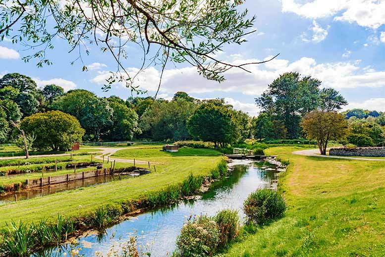 DDDeals - From £99 (at the Oxford Witney Hotel) for an overnight stay for two people with breakfast, three-course dinner, bottle of wine and spa access - save up to 39%
