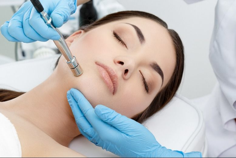 DDDeals - £21 for a microdermabrasion treatment from Archfit Beauty @ TONI&GUY