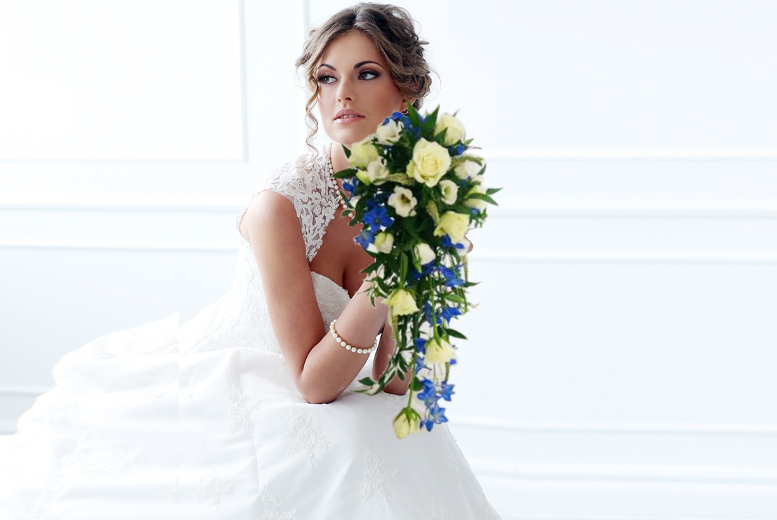£99 for a wedding flower package including a bridal bouquet, two bridesmaid bouquets, four buttonholes and two corsages from La Sweet Boutique - save 62%
