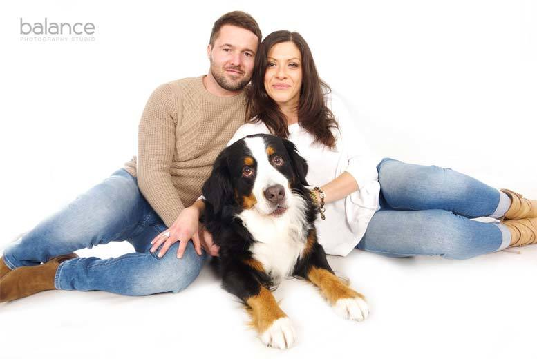 DDDeals - £9 instead of £249 for a family photoshoot for up to seven people with 10 matte prints of two images from Balance Photography Studio, Cardiff – save 96%