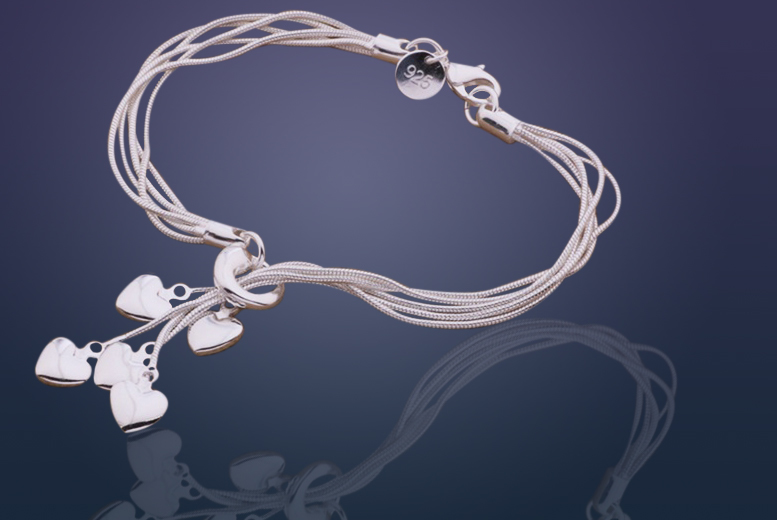 £6 instead of £29.99 (from Marcus Emporium) for a 5-heart silver plated bracelet, £9 for a necklace or £12 for both - save up to 80%