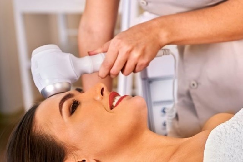 DDDeals - £54 for 6 microdermabrasion treatments from Belleza