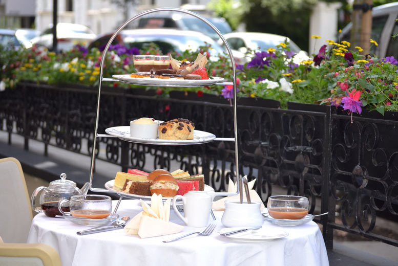 £28 for a chocolate afternoon tea for two with a bottle of bubbly at Park Grand Lancaster Gate - save 60%